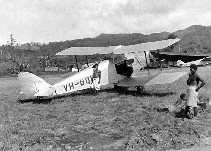 DH.83 FOX MOTH IN AUSTRALIA
